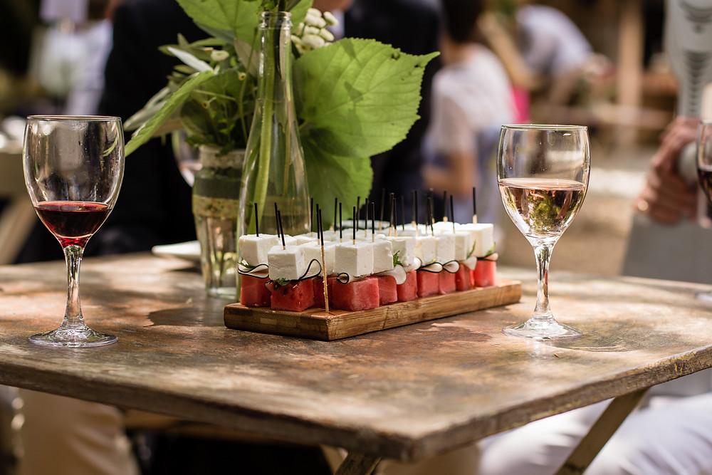 les moments d ou - clos herminier detail buffet - photographe mariage montpellier camargue