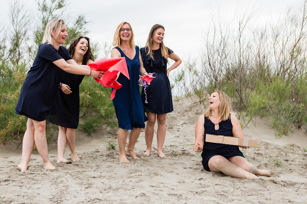 les moments d'ou - shooting evjf aux saintes-maries-de-la-mer en camargue