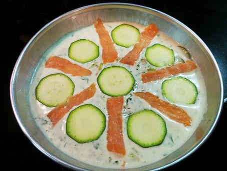 Clafoutis di salmone affumicato, porri e zucchine