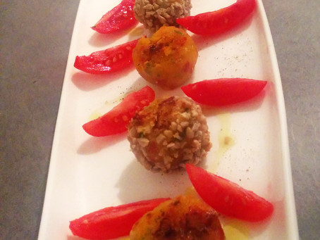 Polpettine di zucca, pomodori secchi e pecorino