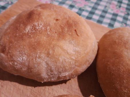 Pane fatto in casa, croccante, profumato e facile da preparare