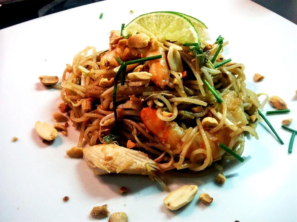Pad Thai, Noodles, pollo, gamberi e tanti profumi che ci trasportano in Thailandia