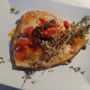 Sicily: swordfish with tomatoes, capers and black olives
