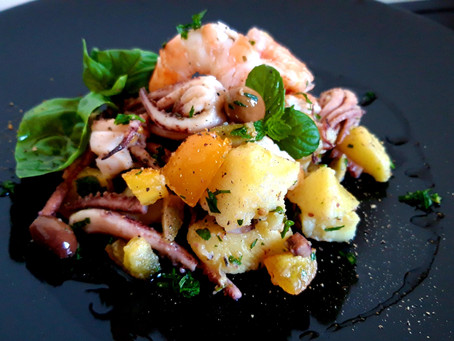 Prawns and Squid Tufts Salad, fast and delicious