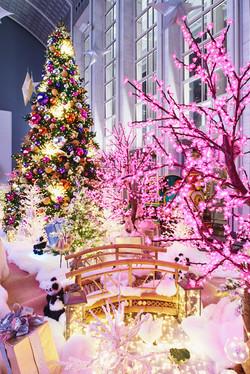 Christmas decorations: 181 W Madison