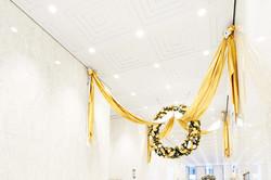 Christmas wreath: Aon Center