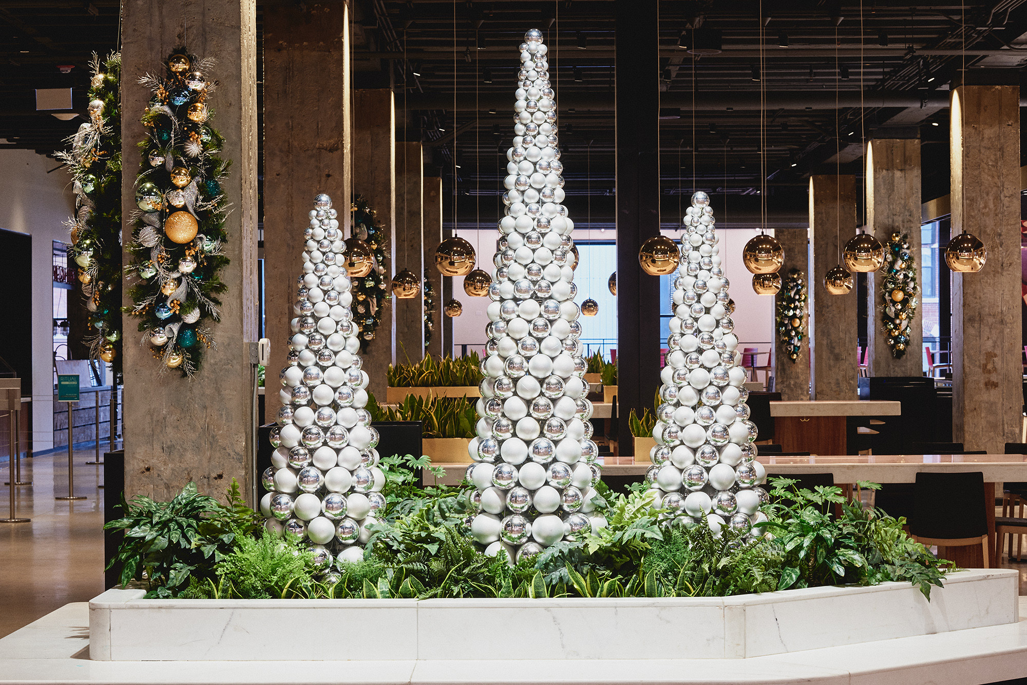 Holiday decorations: Merchandise Mart