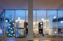 Holiday decorations: 150 N Michigan Avenue