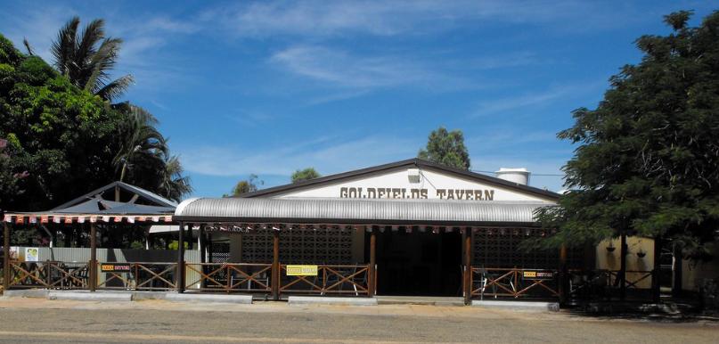 Goldfields Tavern, Forsayth ... nice Pub!