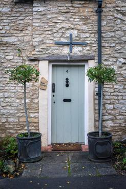 28 - Door detail