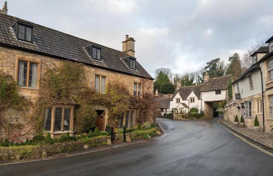 34 - Market Cross cottages