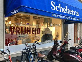 Ferdi in Scheltema's shop display