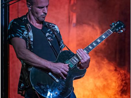 Le guitariste de Saul ...