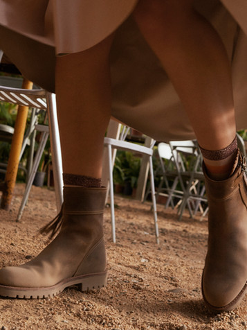 CROPPED LEATHER TASSEL BOOT - BISCUIT.jp