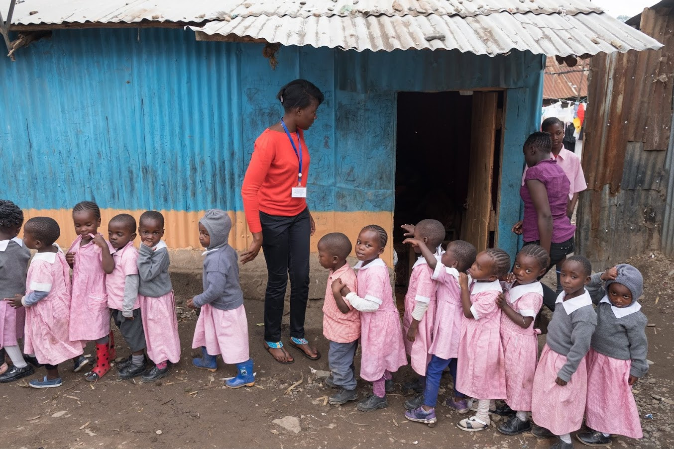 NO electricity & NO running water at school or at home in Mathare!!