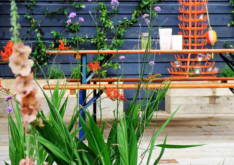 Outdoor dining area Herne Hill garden design design