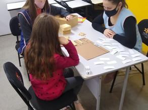 Acadêmicas de pedagogia realizam estágio com alunos com dificuldades de aprendizagem