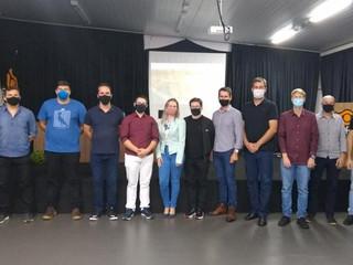 Acadêmicos da Horus participam de projeto de revitalização da praça de Cunha Porã-SC