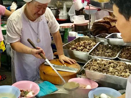 בנגקוק: מסעדת פועלים אחת גדולה
