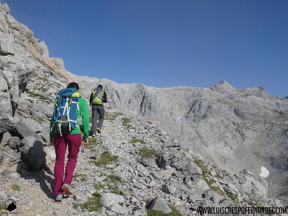 antes de comenzar a correr realiza ruta de senderismo para familiarizarte con el entorno
