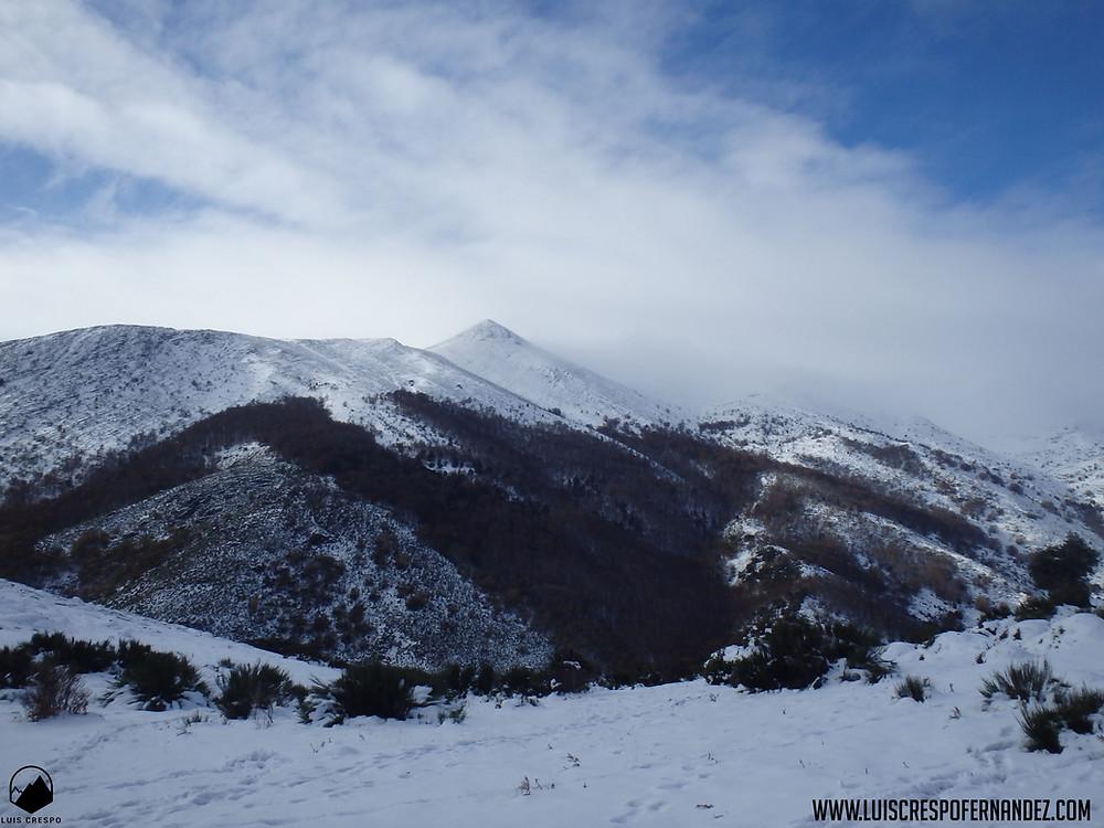 Vistas del Valle de Tosande y de la Tejada desde el collado de Recuencos.