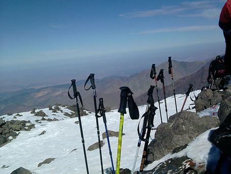 Importancia del uso de los bastones en montaña
