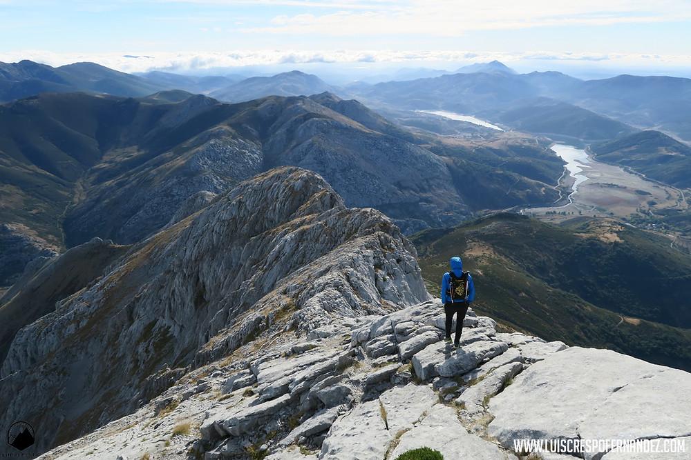 Descendiendo por la aérea arista este del pico Espigüete