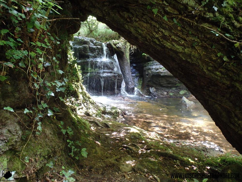 cascada en el arroyo de viaña