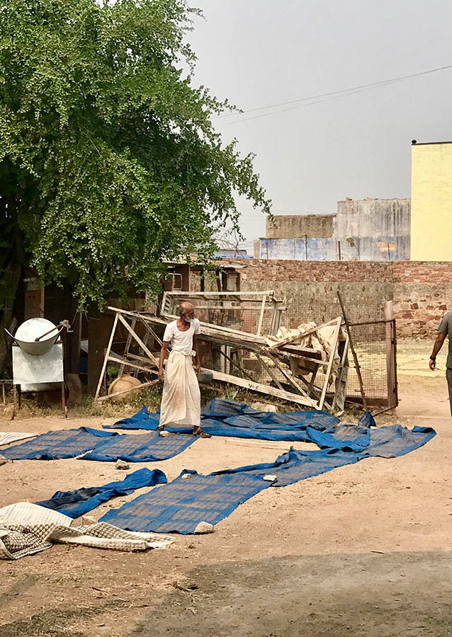 Drying of textiles in the block printing process