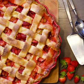 Tarte fraise - rhubarbe (Strawberry and rhubarb pie)