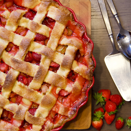 Tarte fraise - rhubarbe (Strawberry and rhubarb pie)