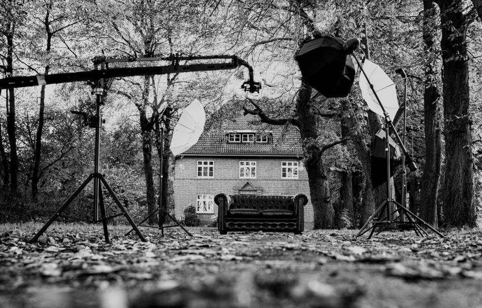 Fotoequipment vor der Villa