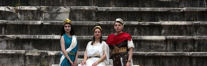 Afrodit'in kentinde klasik müzik dinletisi
