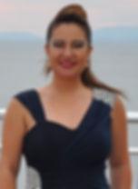 """Müzik calişmalarına Ankara Çankaya 50. Yıl lisesinde Salih Aydoğan ile başladı. 1994 yılında Hacettepe Universitesi Ankara Devlet Konservatuvarı Sahne Sanatları ve Opera Bölümünü kazandı. Yedi yıllık konservatuvar eğitimi süresinde Prof. Dr. Mustafa Yurdakul ve Prof. Dr. Yalçın Davran ile şan, Prof. Dr. Muammer Sun ile nazariyat, rejisor Murat Göksu ile sahne çalışmıştır. Muammer SUN'un bestelediği, Hikmet ŞİMŞEK'in yönettiği """"Kurtuluş"""" adlı eserle ülke genelinde turneler yapmıştır...."""
