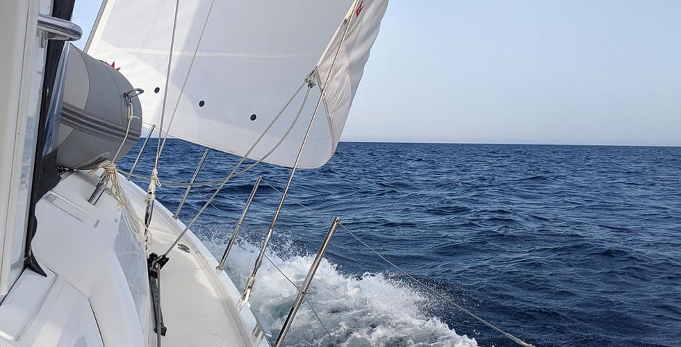 Sailing-web.jpg