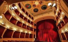 apollon theater.JPG