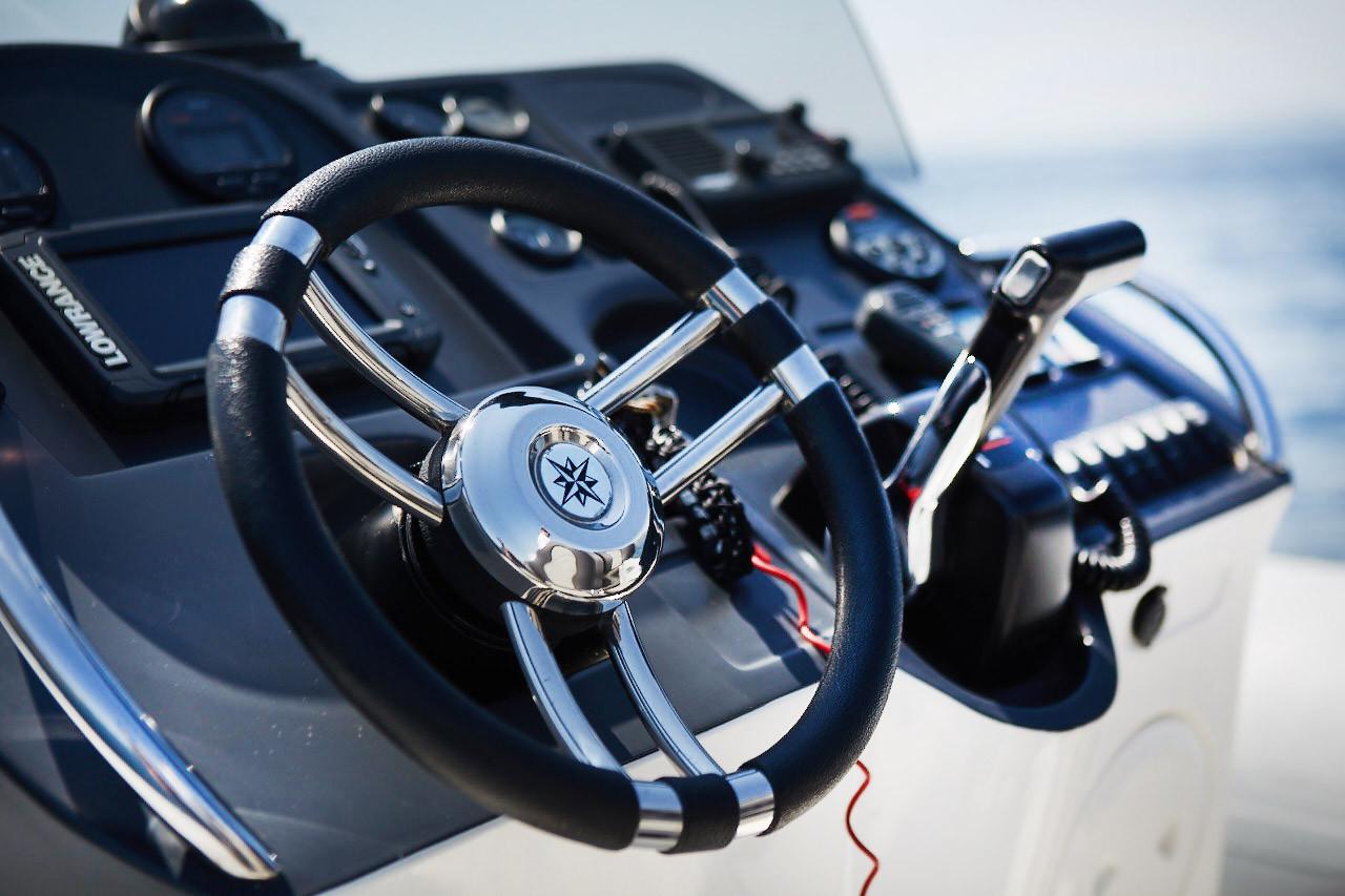 Marvel 930 Cockpit