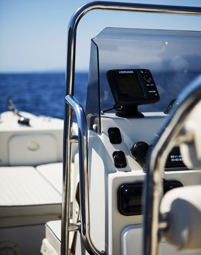 Bow view of Scorpion 810 G2, available for charter around the Greek Cycladic islands.