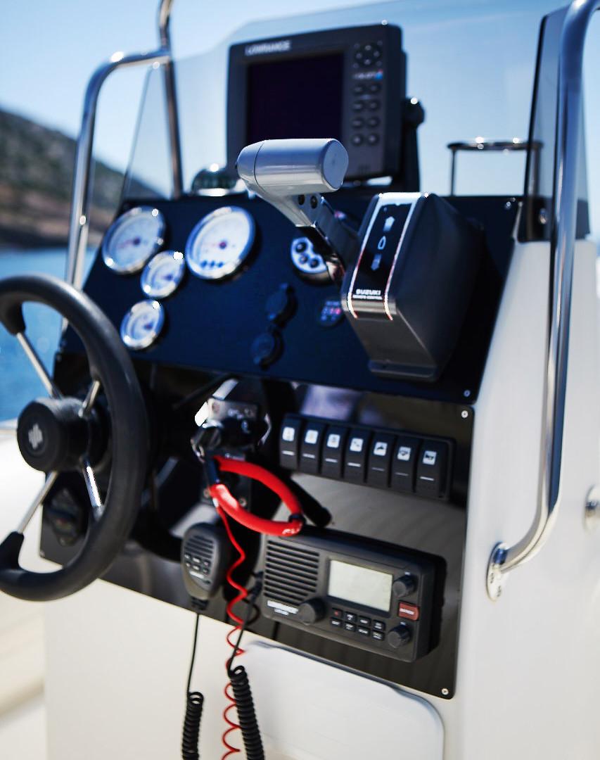 Great White 750 Cockpit