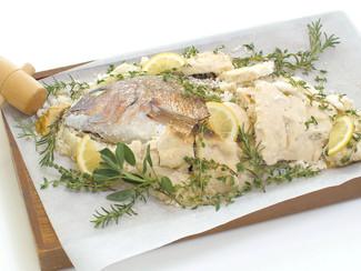 真鯛のハーブ塩釜焼