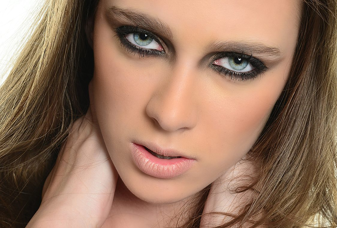 ritratto studio make up blu eyes