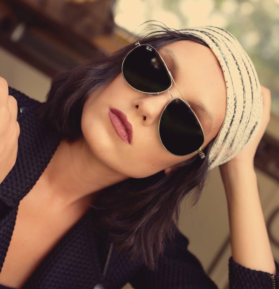 ritratto glasses outdoor