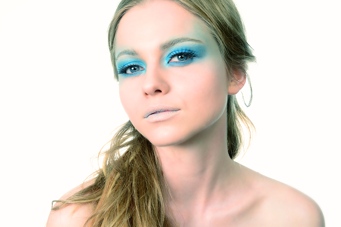 ritratto studio make up blu