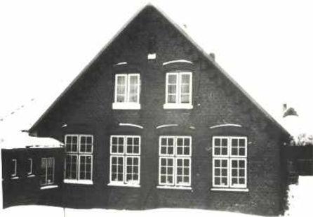 SchuleAgethorstSeitenansKL.jpg