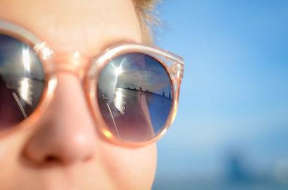 sunglasses-1209619_1920.jpg