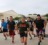 Athlètes qui courent crosfit hyères