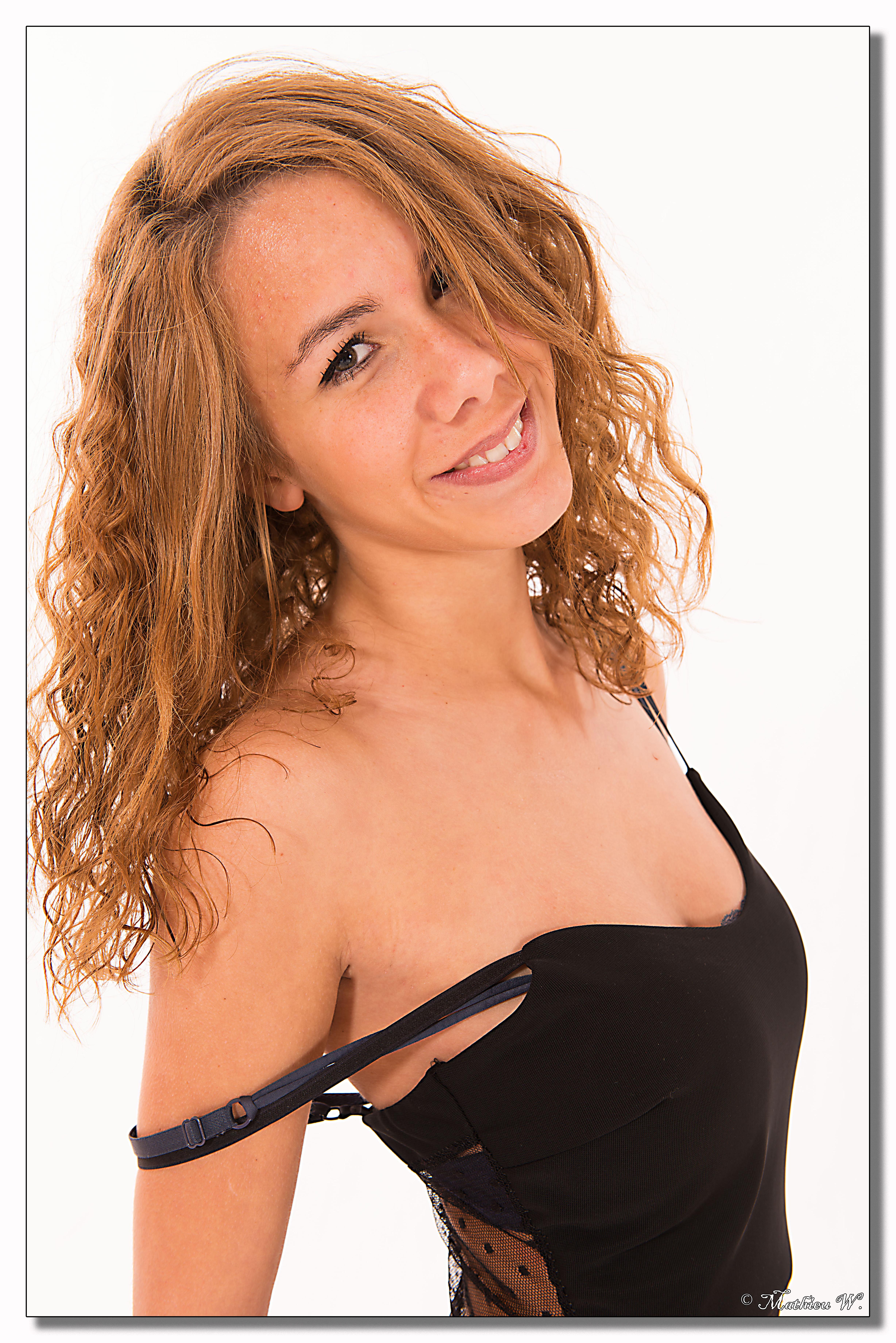 2014-11-04 Pricilla Moreira fond blanc 1ere (103)