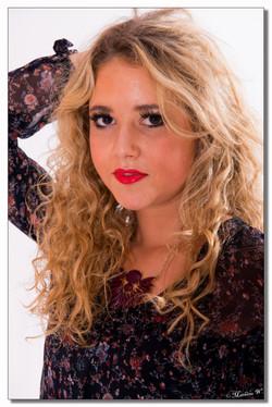 2015-06-08 Alycia Blant studio fond blanc (9)