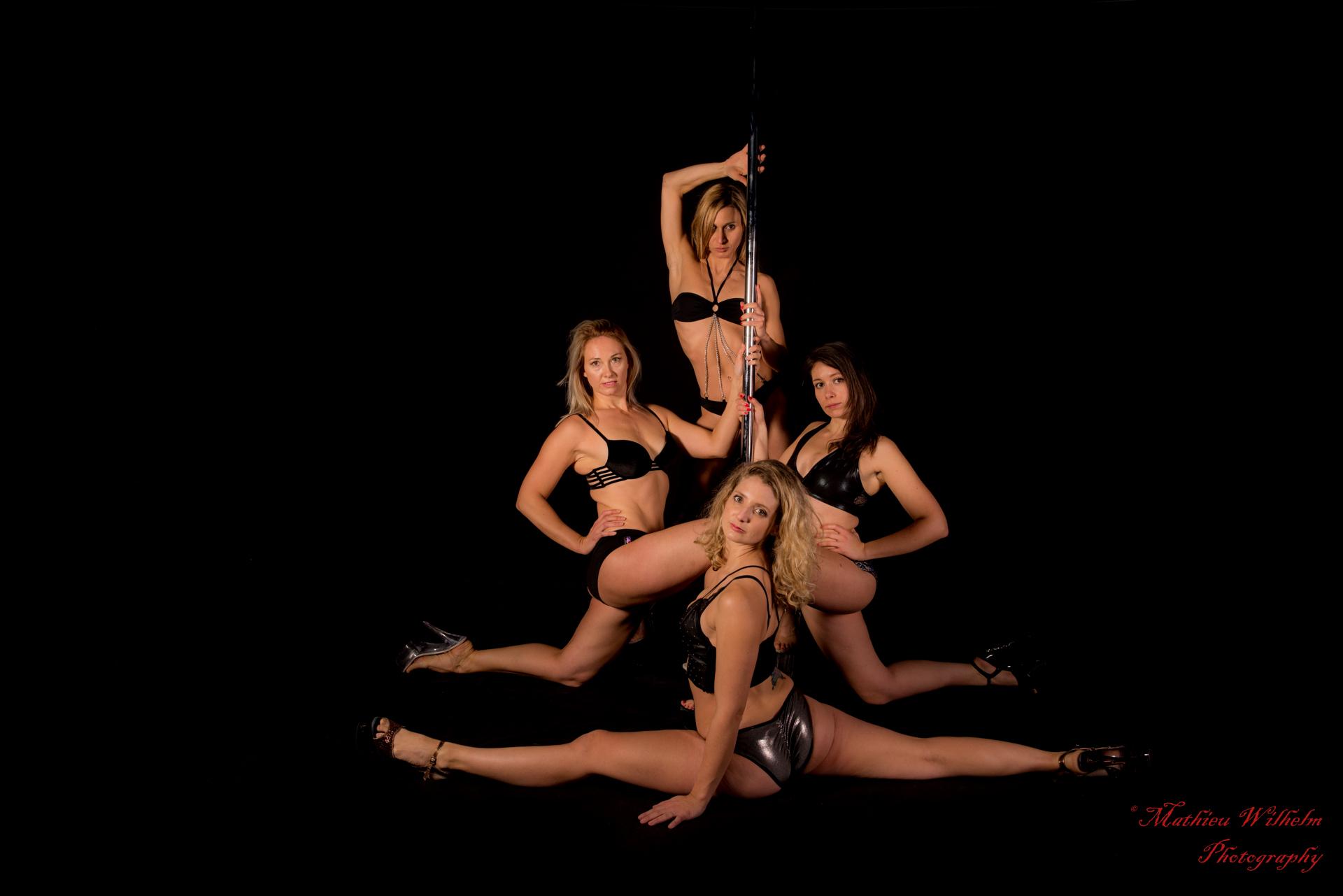 2017-11-26_Pole Dance - Estelle - Delphines - Eve - Audey (297)