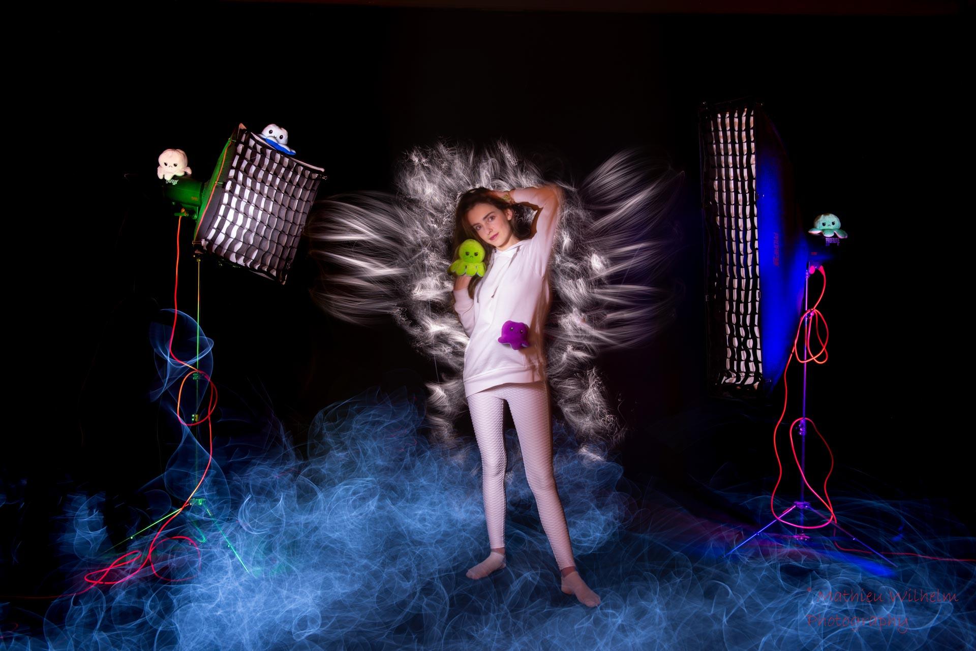 2021-01-07 Camille - Lightpainting studi